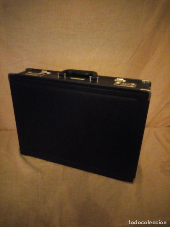 Antigüedades: Antiguo maletín de ejecutivo de cuero rígido Principios del siglo XX,nivella,con cierre de seguridad - Foto 2 - 193971548