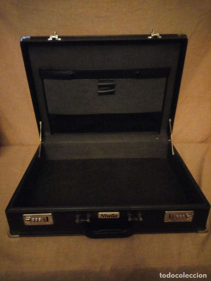 Antigüedades: Antiguo maletín de ejecutivo de cuero rígido Principios del siglo XX,nivella,con cierre de seguridad - Foto 7 - 193971548