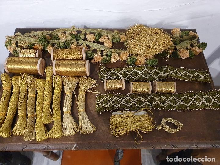 LOTE HILO FINO ORO CARRETE BOBINA MADEJA HILO ORO (Antigüedades - Moda - Bordados)