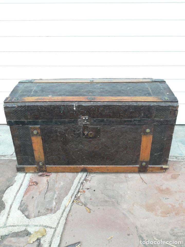 PEQUEÑO BAUL ANTIGUO (Antigüedades - Muebles Antiguos - Baúles Antiguos)