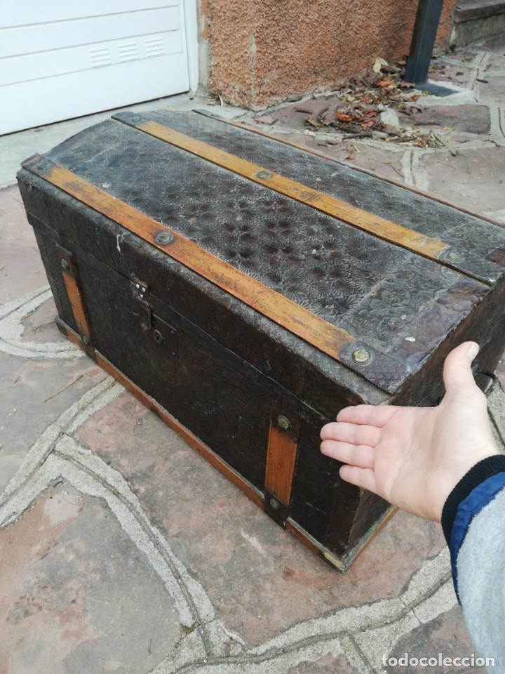 Antigüedades: PEQUEÑO BAUL ANTIGUO - Foto 8 - 193985321