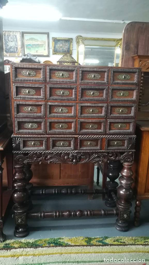 BARGUEÑO PORTUGUES ANTIGUO SIGLO XVIII (Antigüedades - Muebles Antiguos - Bargueños Antiguos)