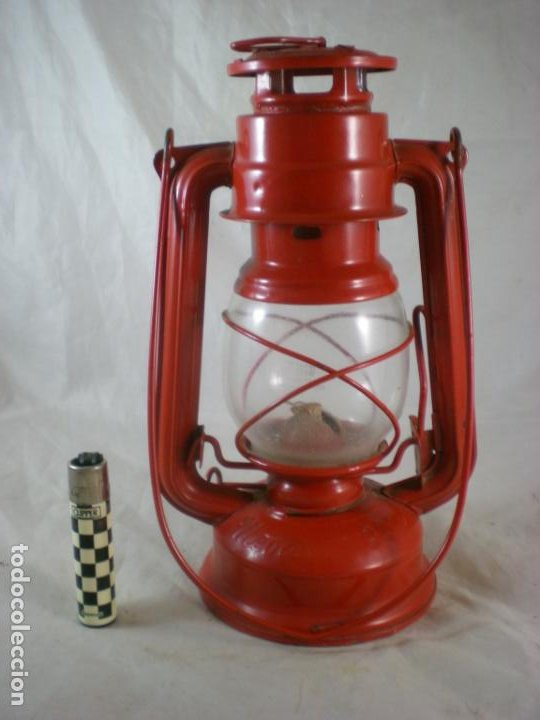 Antigüedades: Quinque Meva 863 Rojo - Sin Uso - Checoslovaquia - Farol - Lampara - Foto 2 - 194006300