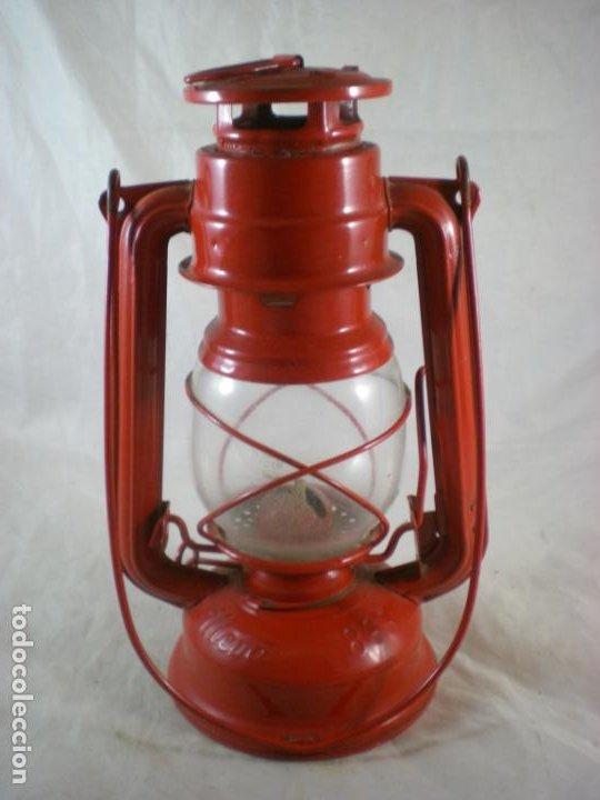 Antigüedades: Quinque Meva 863 Rojo - Sin Uso - Checoslovaquia - Farol - Lampara - Foto 3 - 194006300