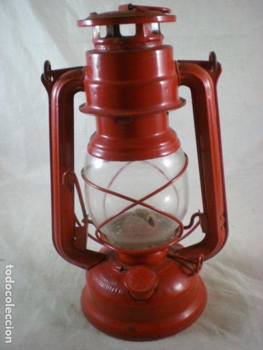 Antigüedades: Quinque Meva 863 Rojo - Sin Uso - Checoslovaquia - Farol - Lampara - Foto 4 - 194006300