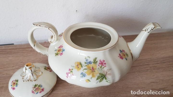Antigüedades: Estupenda tetera en porcelana alemán, echa/pintada a mano sellada KyA krautheim.Selb made in Germani - Foto 4 - 194027378