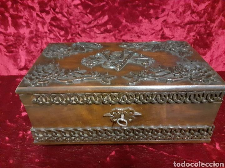 ARQUETA NOGAL (Antigüedades - Muebles Antiguos - Bargueños Antiguos)