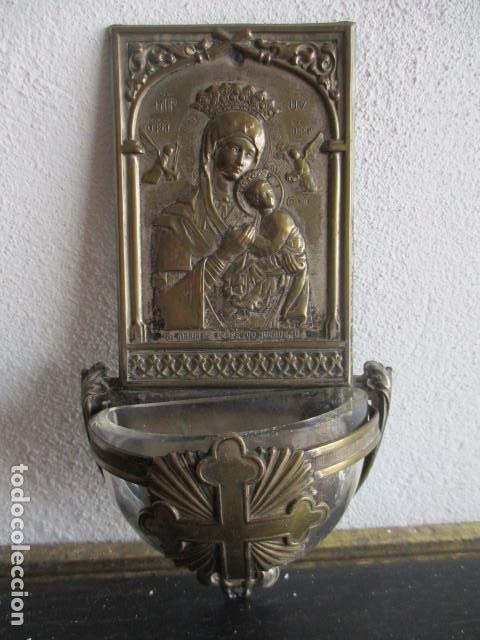 BENDITERA PILA CRISTAL (PERPETUO SOCORRO) (Antigüedades - Religiosas - Benditeras)