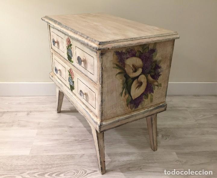 Antigüedades: Preciosa mesilla de dormitorio - Foto 2 - 194084117