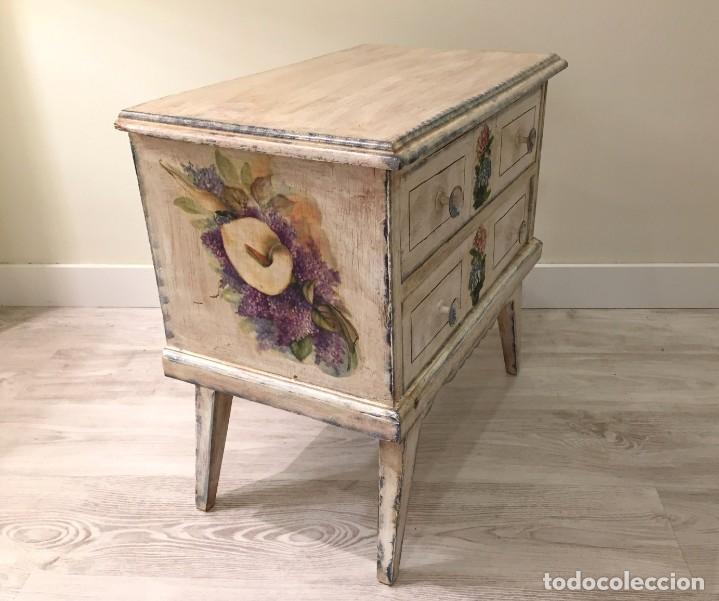 Antigüedades: Preciosa mesilla de dormitorio - Foto 5 - 194084117