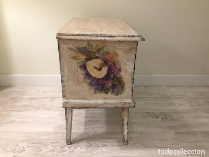 Antigüedades: Preciosa mesilla de dormitorio - Foto 6 - 194084117