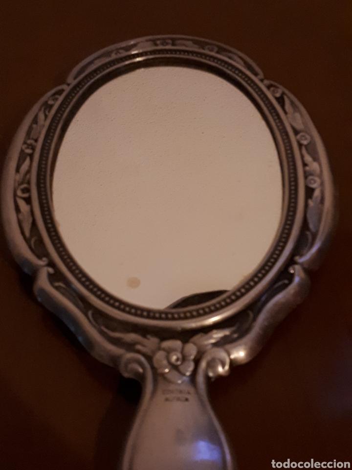 Antigüedades: Antiguo Espejo de mano tocador de alpaca - Foto 4 - 194084960