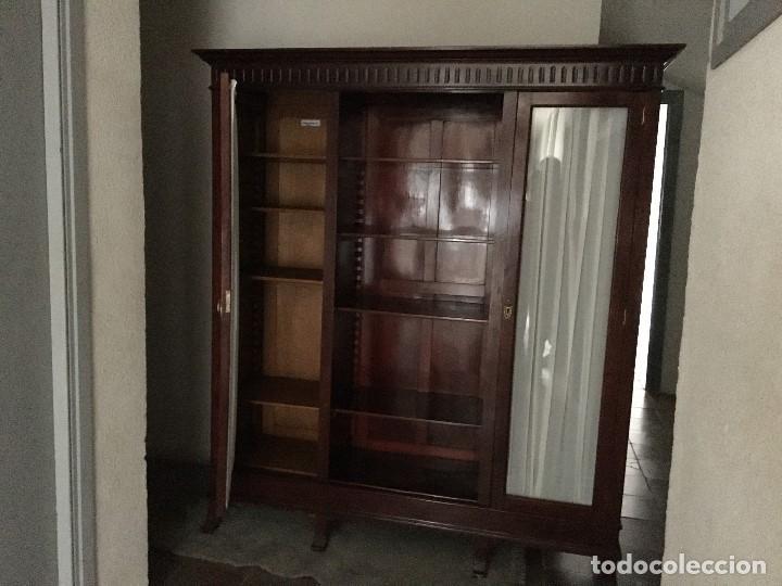 Antigüedades: DOS VITRINAS LIBRERIA EN MADERA DE CAOBA MAGNIFICAS PARA DESPACHOS PROFESIONALES, AÑO 1940 - Foto 2 - 194085432
