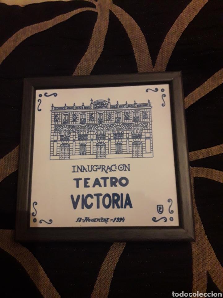 AZULEJO ENMARCADO DE CERÁMICA DE TALAVERA, INAUGURACIÓN DEL TEATRO VICTORIA DE 1994 (Antigüedades - Porcelanas y Cerámicas - Talavera)