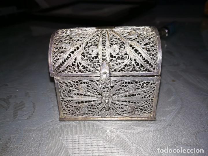 PRECIOSO COFRE O JOYERO FILIGRANA CORDOBESA DE PLATA MIREN FOTOS (Antigüedades - Platería - Plata de Ley Antigua)