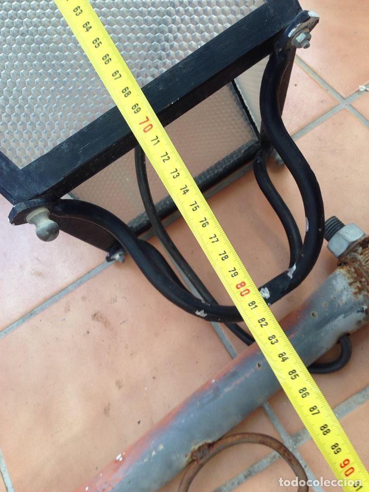 Antigüedades: Farola farol hierro con soporte modernista excelente calidad casi 1 metro - Foto 9 - 194100868