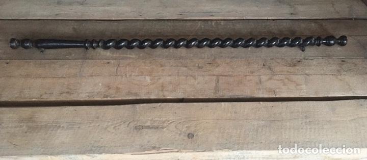Antigüedades: Antigua pieza de madera torneada ,ideal restauración ,repuestos -136 cms de largo -( 19399) - Foto 6 - 194106746