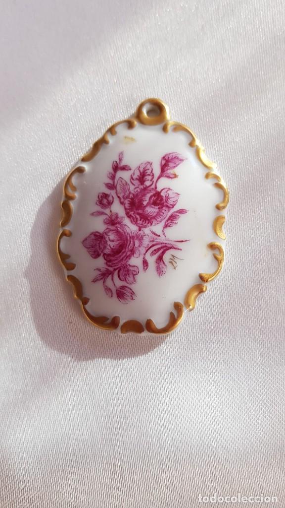 Antigüedades: Precioso colgante de porcelana hecha e pintada a mano de la marca Rosenthal - Foto 2 - 194125105