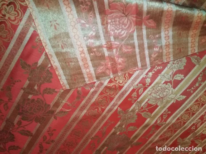 Antigüedades: BROCADO 3 METROS TELA IDEAL ROJO ORO MANTO SAYA VIRGEN FLORAL SEMANA SANTA O TRAJE FALLERA - Foto 6 - 254258755