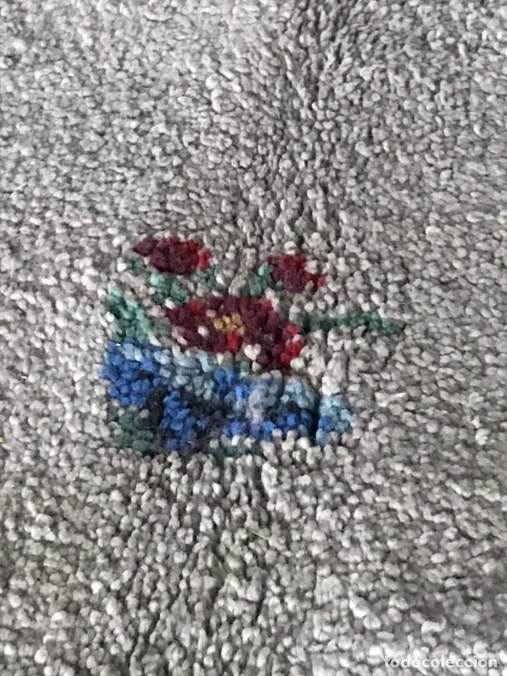 Antigüedades: GRAN ALFOMBRA DE LANA TEJIDA A MANO EN TONOS GRISES AZULADOS - Foto 10 - 194131255