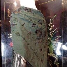 Antigüedades: MANTONCILLO ANTIGUO. Lote 194162517