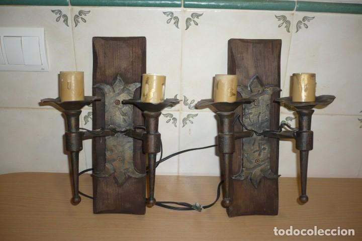 Antigüedades: 2 Antiguos Apliques de Forja y Madera - Foto 2 - 194167173