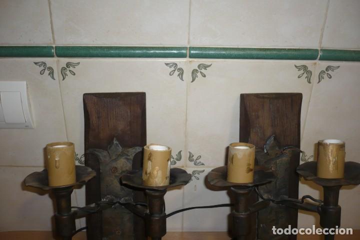 Antigüedades: 2 Antiguos Apliques de Forja y Madera - Foto 3 - 194167173