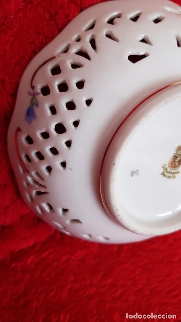 Antigüedades: Plato en porcelana Vintage Alemana Carl Schumann Bavaria calado plato hecho y pintado mano - Foto 10 - 194174367