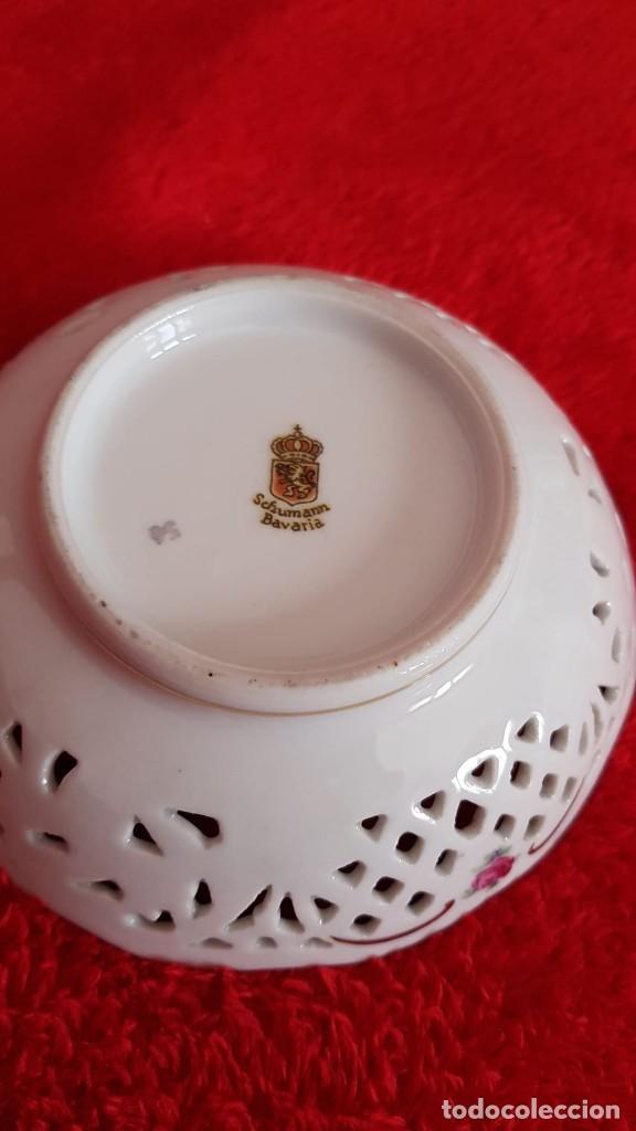 Antigüedades: Plato en porcelana Vintage Alemana Carl Schumann Bavaria calado plato hecho y pintado mano - Foto 7 - 194174367