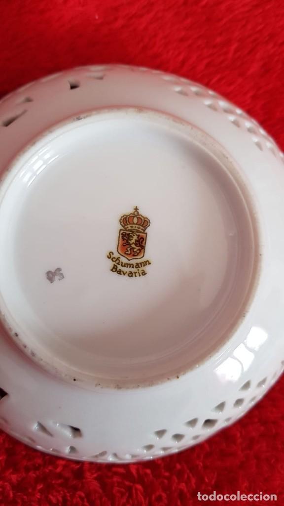 Antigüedades: Plato en porcelana Vintage Alemana Carl Schumann Bavaria calado plato hecho y pintado mano - Foto 8 - 194174367