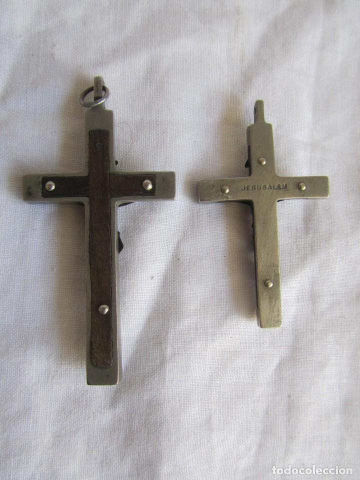 Antigüedades: Dos crucifijos en metal y madera - Foto 4 - 194188986