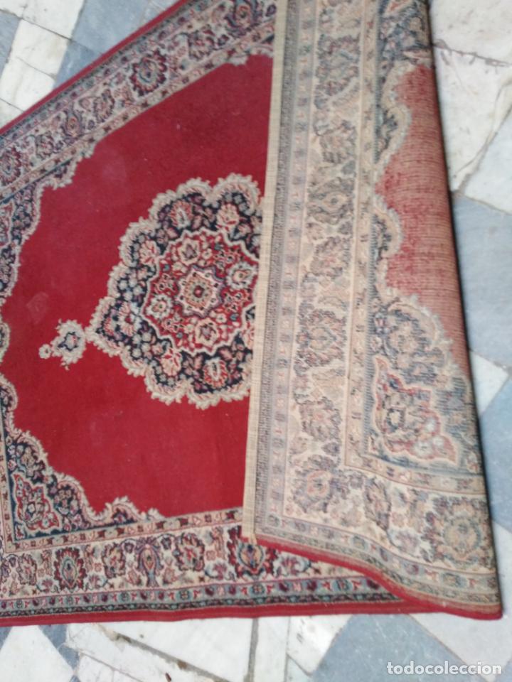 Antigüedades: Gran alfombra 225x150 aprox. besamano virgen capilla semana santa cultos cofradia iglesia - Foto 3 - 194193201