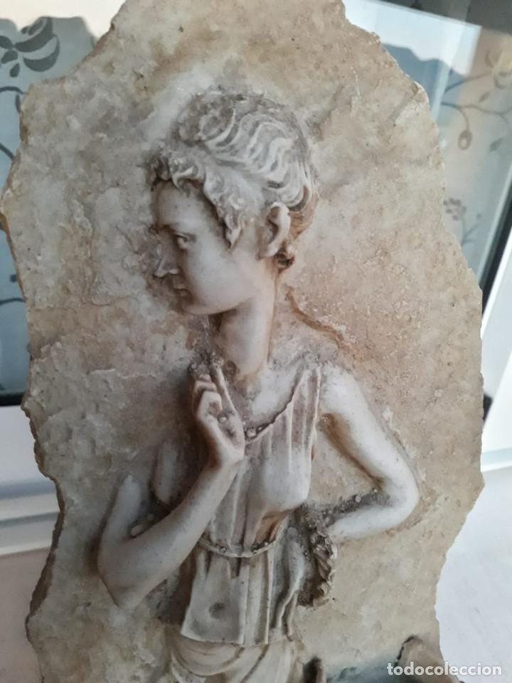 Antigüedades: Espectacular benditera tallada de piedra/mármol con la figura de una posible diosa Artemisa? - Foto 9 - 194194543
