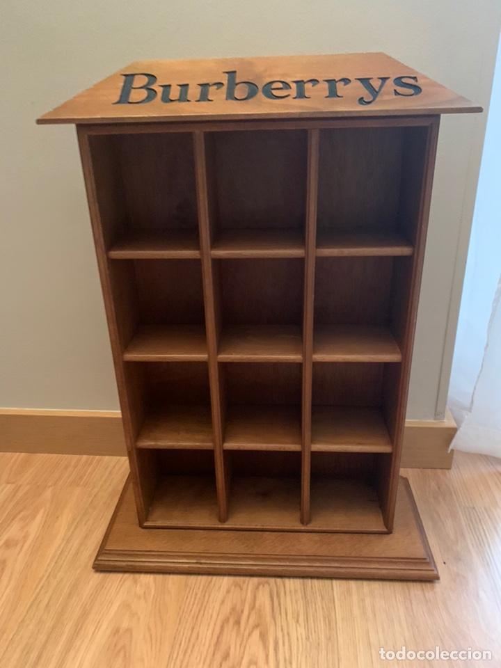 EXPOSITOR MADERA BURBERRYS (Antigüedades - Muebles Antiguos - Aparadores Antiguos)