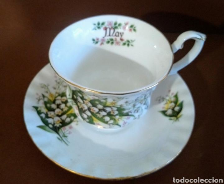 Antigüedades: Taza y plato con Campanilla flor mes de Mayo y filo dorado Royal Kent - Foto 2 - 194203635