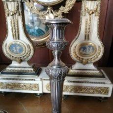 Antigüedades: CANDELERO EN PLATA DE LEY PSS DEL SIGLO XX CON MARCAS. Lote 194205186