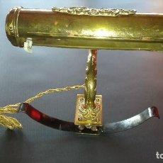 Antigüedades: ANTIGUA LAMPARA BANQUERO CON SUJECION A MESA. Lote 194210731