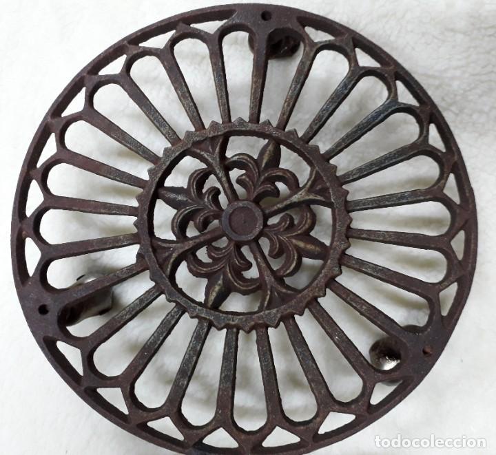 SOPORTE DE MACETAS (Antigüedades - Técnicas - Rústicas - Utensilios del Hogar)