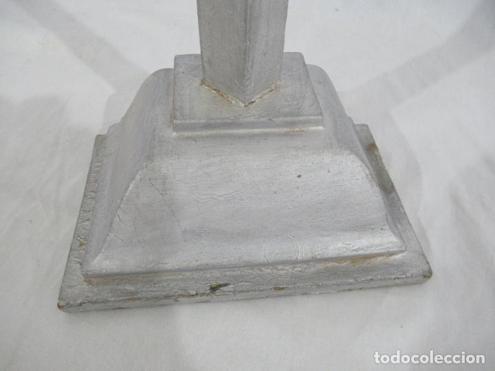 Antigüedades: Antigua cruz de madera con peana. Gran tamaño 65 x 48 cm. - Foto 6 - 194220480