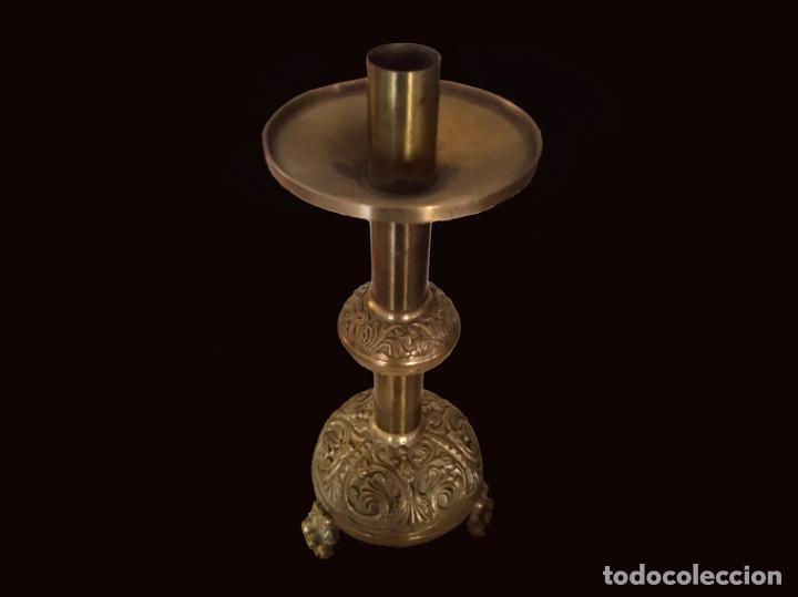 Antigüedades: Maravilloso candelabro de bronce antiguo - Foto 2 - 194211317