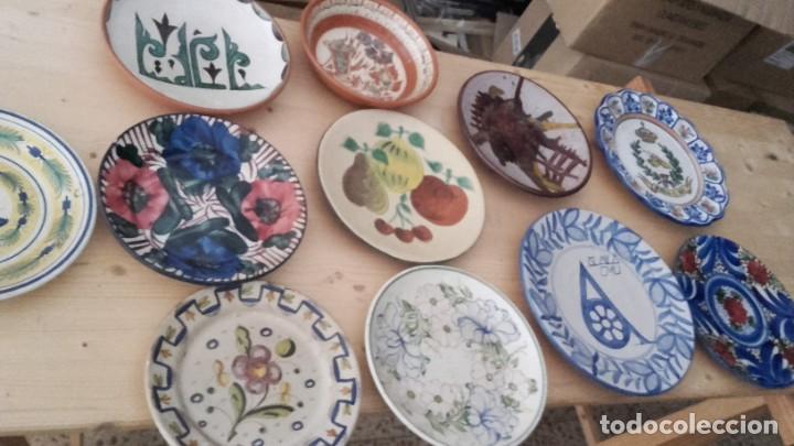 LOTE 11 PLATOS PORCELANA PARA COLGAR. TODOS FIRMADOS. MANISES, MUEL... (Antigüedades - Porcelanas y Cerámicas - Manises)