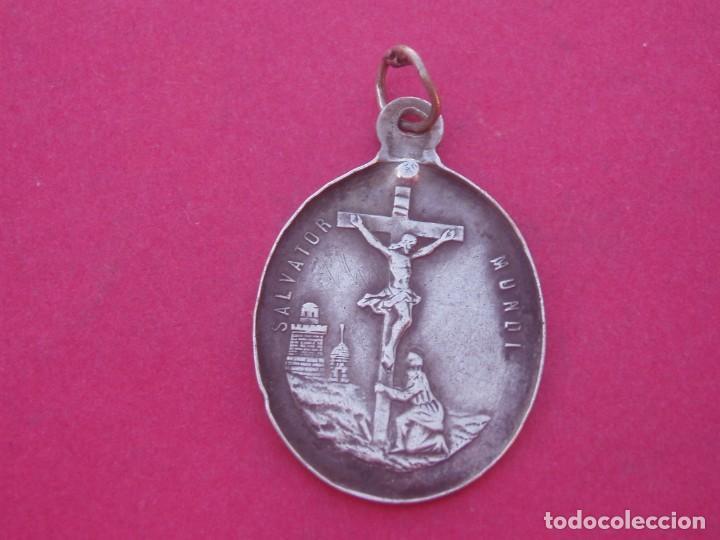 Antigüedades: Medalla Siglo XIX en Plata Virgen de los Dolores Siete Puñales y Salvador Mundi. - Foto 2 - 194237302