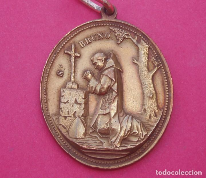 PRECIOSA MEDALLA SIGLO XIX SAN BRUNO Y SAGRADOS CORAZONES. JESÚS, MARÍA Y SAN JOSÉ. (Antigüedades - Religiosas - Medallas Antiguas)