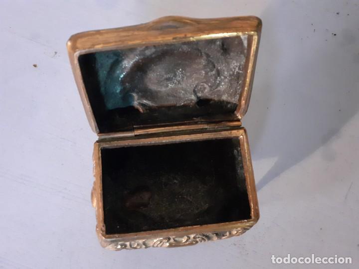 Antigüedades: Pequeña caja relicario en cobre - Foto 2 - 194238578