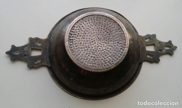 Antigüedades: BANDEJA O CATAVINOS DE METAL MEDALLA DE LUIS XVI - Foto 3 - 194241855
