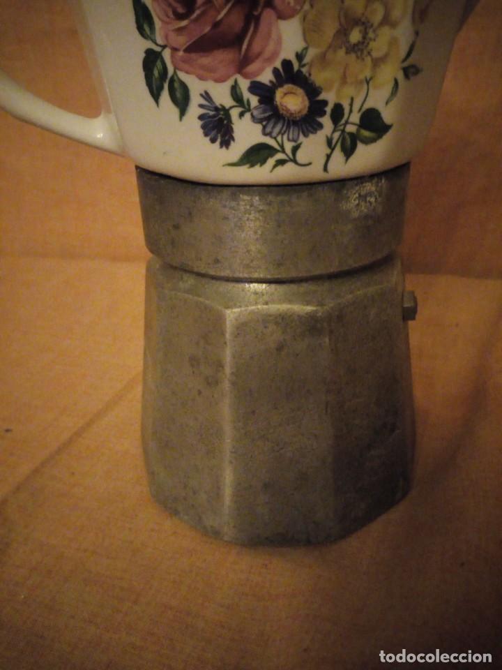 Antigüedades: Antigua CAFETERA ALPU PORCELANA Y METAL - DIFICIL de conseguir. - Foto 5 - 194243448