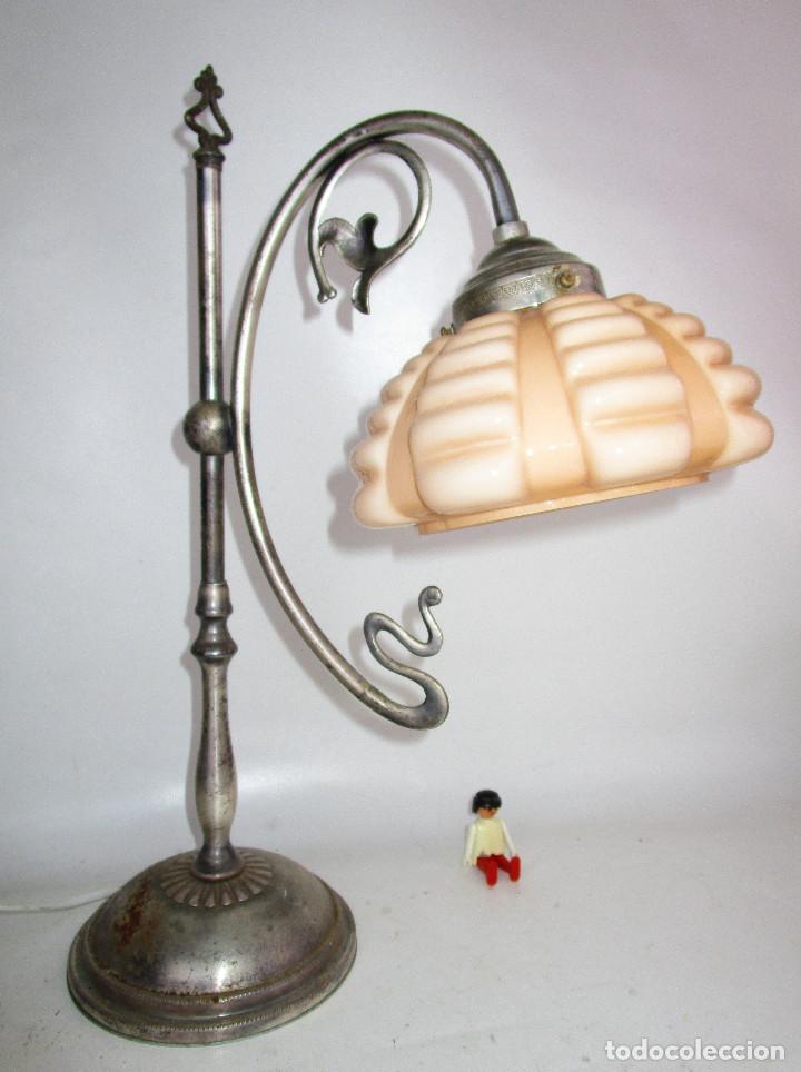 Antigüedades: PRECIOSA LAMPARA ART DECO MODERNISTA EN ACERO CROMADO Y TULIPA OPALINA SALMON - Foto 2 - 194243780