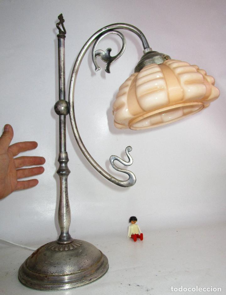 Antigüedades: PRECIOSA LAMPARA ART DECO MODERNISTA EN ACERO CROMADO Y TULIPA OPALINA SALMON - Foto 4 - 194243780