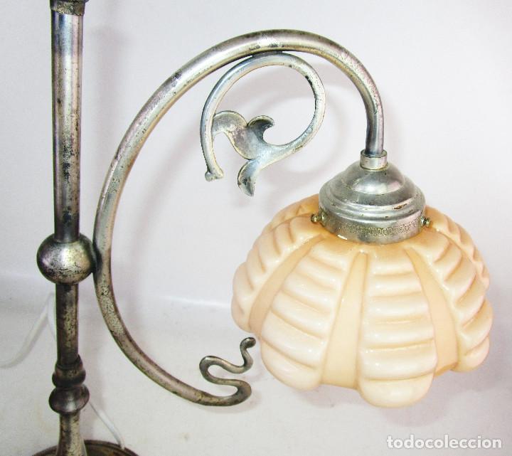 Antigüedades: PRECIOSA LAMPARA ART DECO MODERNISTA EN ACERO CROMADO Y TULIPA OPALINA SALMON - Foto 7 - 194243780