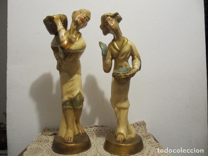 MUY ANTIGUAS FIGURAS EN CERAMICA ARTE BACHERO VALLADOLID ESPAÑA-44CM (Antigüedades - Hogar y Decoración - Figuras Antiguas)